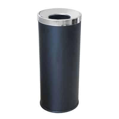 Характеристика: метален, черен.  Размери: диаметър 25 см. височина 61 см. Предлага се и от инокс – код 8509
