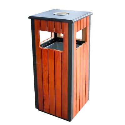 Характеристика: метален с дървени страни, квадратен. С вътрешен съд за събиране на отпадъците. Размери: 35х35х80 см.